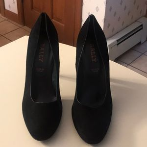 Bally Zerene black suede pumps